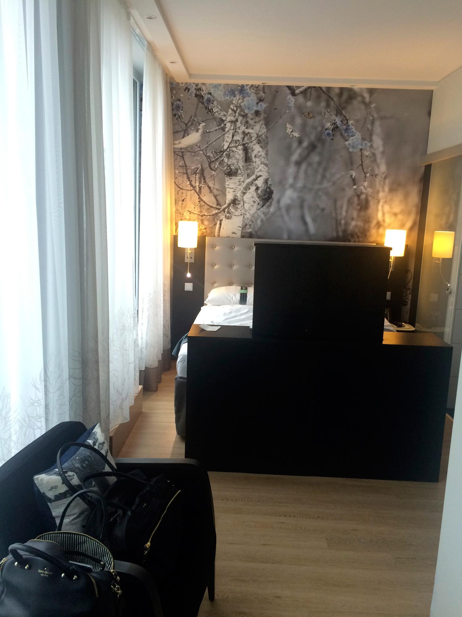 HolidayInn-Room